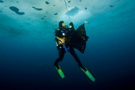 DivingROVmainpage-17.jpg