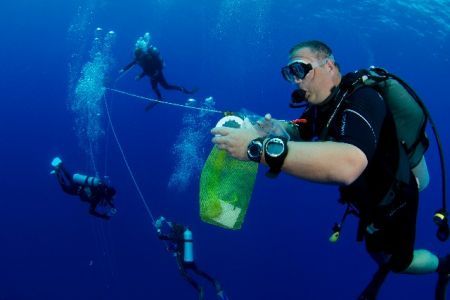 DivingROVmainpage-16.jpg