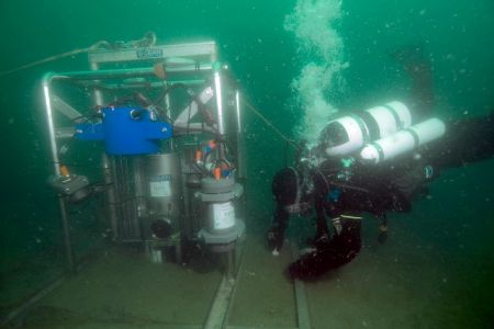 DivingROVmainpage-09.jpg
